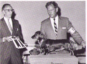 CH Karlew's Little Eve , Judge Fred Heying and Handler Carl Lewis