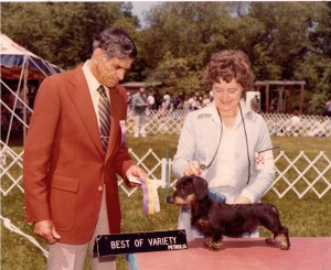 Judge Ed Bracy for handler Hannelore Heller and for owner Dee Hutchinson
